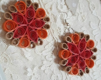 Red-flowered earrings quilling