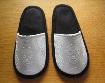 Skull style slippers