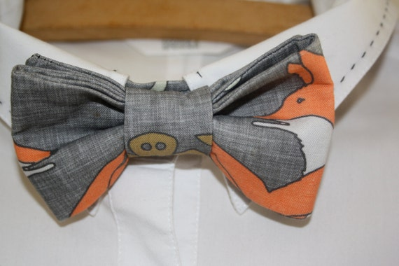 Cotton bowtie by Foxy and Boo Studio