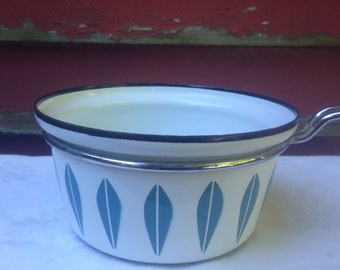 Cathrineholm Lotus Enamel Saucepan RARE Turquoise Blue White Classic Seventies Kitchen Cookware