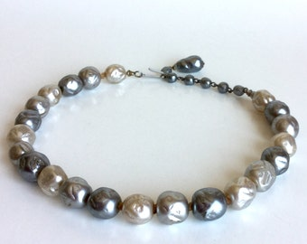 Vintage Molded Glass Pearl Necklace Off-White, Light Gray, Dark Gray Large Beads Lines & Dots, Collar Choker, Silver Hook Clasp Marked Japan