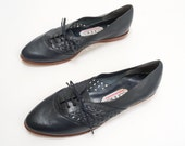 1980s Leather Navy Blue Oxford Flats 9 by Connie