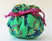 jewelry roll / jewelry pouch - green flowers magenta ribbon navy blue turquoise kelly green drawstring bag travel jewelry case jewellery