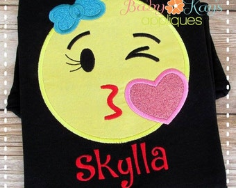 Kiss Face Emoji Applique Design 4x4, 5x7, 6x10, 8x8