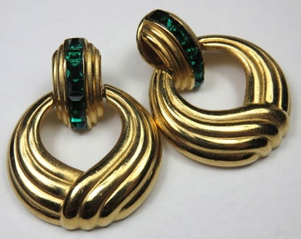 SJK Vintage -- Oscar de la Renta Neoclassical Modernist Gold and Emerald Green Rhinestone Pierced Earrings, Door Knocker (1980's)