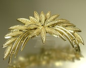 Vintage estate 1960s / 1970s, gold tone flower leaf costume brooch pin, jewellery / jewelry, UK seller