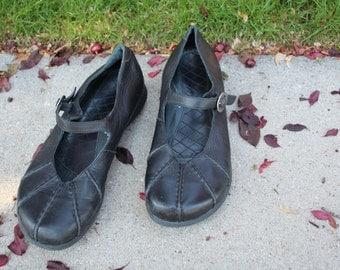 VINTAGE black leather DANSKO womens shoes EUR size 38