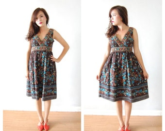 colorful floral print deep v dress / peasant floral dress / m