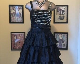 Fall sale 1980s black skirt ruffled skirt 80s skirt high waist skirt size small Vintage skirt tiered skirt taffeta skirt