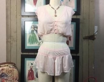 Sale 1980s pink pjs 80s vanity fair 2 piece lingerie size medium Vintage tap shorts Genie outfit