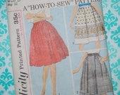 Uncut VINTAGE pattern Simplicity 5058 pleated skirt 60s beginner border print too