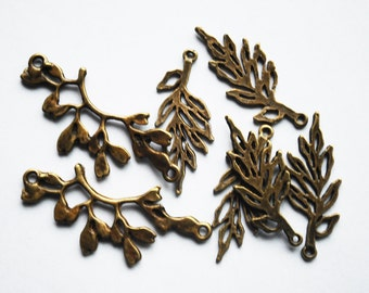 Combine: Antique Vintage Brass, 3 Branch Connectors, 5 Leaf