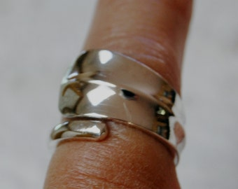 Waves Sterling Spoon Ring Size 4 to 6