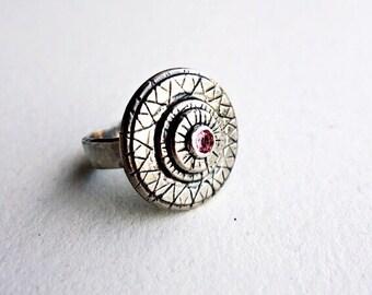 Sterling Silver Pink Sapphire Chameleon Eye Ring