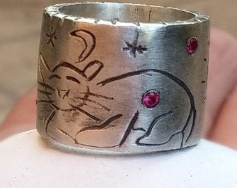 Carved silver Cat Ring,  sterling and ruby Cat Band,  rustic  band , primitive cat ring, Chunky silver Gemstone ring