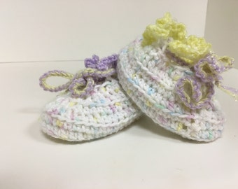 Pretty Crocheted Baby Booties