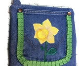 Jean Daffodil Potholder with pocket