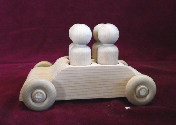 4-Seater Car with 4 Peg Doll Passengers, Unfinished Pine