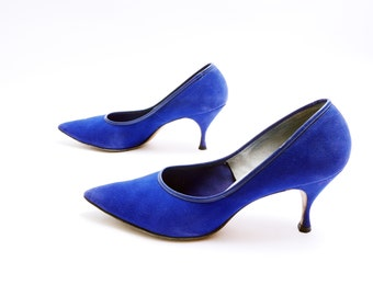 Vintage Blue Suede Pumps// Women's High Heels// Pointed Toe Pumps// 8B size// 97