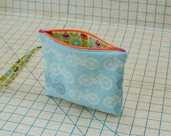 The Zipper Pouch - Blue Bicycles