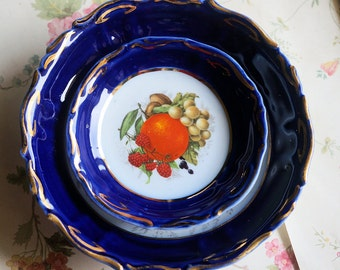 Berry Bowls from Romania, Blue and white with Fruit Design, Fruit Bowls, Set of one