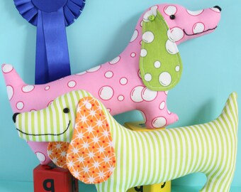Best in show dog sewing pattern,sausage dog pattern, plush dog, toy sewing pattern, dog PDF, wiener dog, sausage dog, sausage dog toy,