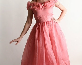 ON SALE Vintage 1950s Prom Dress - Soft Salmon Pink Tulle and Flower Party Dress - Small Medium