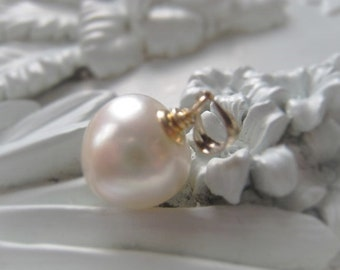 Freshwater Pearl Pendant Natural White Bridal Pendant Wedding Jewelry 14K Gold Filled Pearl Pendant Item No. 8897
