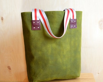 Waxed Canvas Bag / Canvas Tote / Shoulder Bag / Tote / Market Bag / Womens Gift / Tote Bag / Gift for Her - The LF Market Bag in Army Green