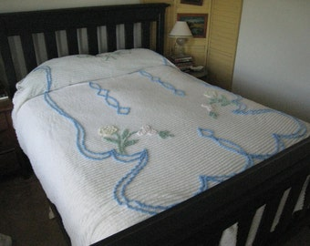 Vintage Chenille Bedspread - Floral Chenille - Queen Size - Excellent & Fluffy - Cottage Chic (0483-W)