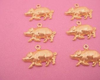 6 brass  pig miniature charms  Zoo farm 20mm hog
