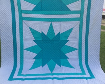 Vintage Hand Quilted Very Well Done Teal Turquoise and Grey/Gray Compass Pattern Quilt