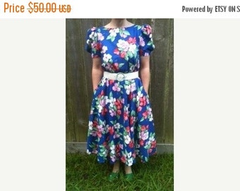 HUGE SALE Retro 1980's Ladies Clothing Flower Garden Vintage Cotton Floral Dress, Size 10, Puffy Sleeves, 1980's Fashion Design & Style