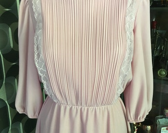 Vintage soft pink dress with pleats