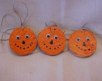 CReePY SALe~~were 4.00~~Now 3.00~~GOOGLEY EYED PUMPKINS~~Made with Recycled Scrap Wood~~Repurposed, Pumpkin Faces~~Decorations~To-From Tags