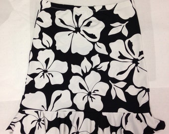 Black and white hibiscus floral flounce skirt with elastic waist