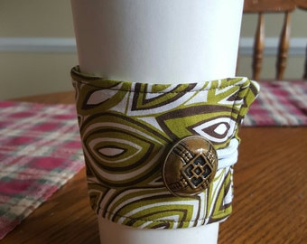 Reusable Coffee or Tea Wrap Around Sleeve in Olive Green, Brown Leaf Shaped Swirl