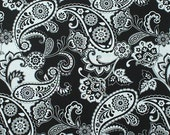 4299 - Black & White Paisley Floral Cotton Fabric - 59 Inch (Width) x 1/2 Yard (Length)