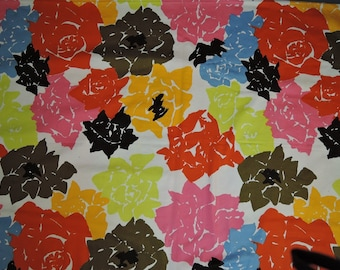 Vintage Decorator Fabric, Big Bright Flowers, 54 wide x 1-3/4 yards, cotton, by Everlast