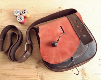Leather Messenger Bag, Small across body gypsy bag, ARRIETY 3117 marmalade, chocolate