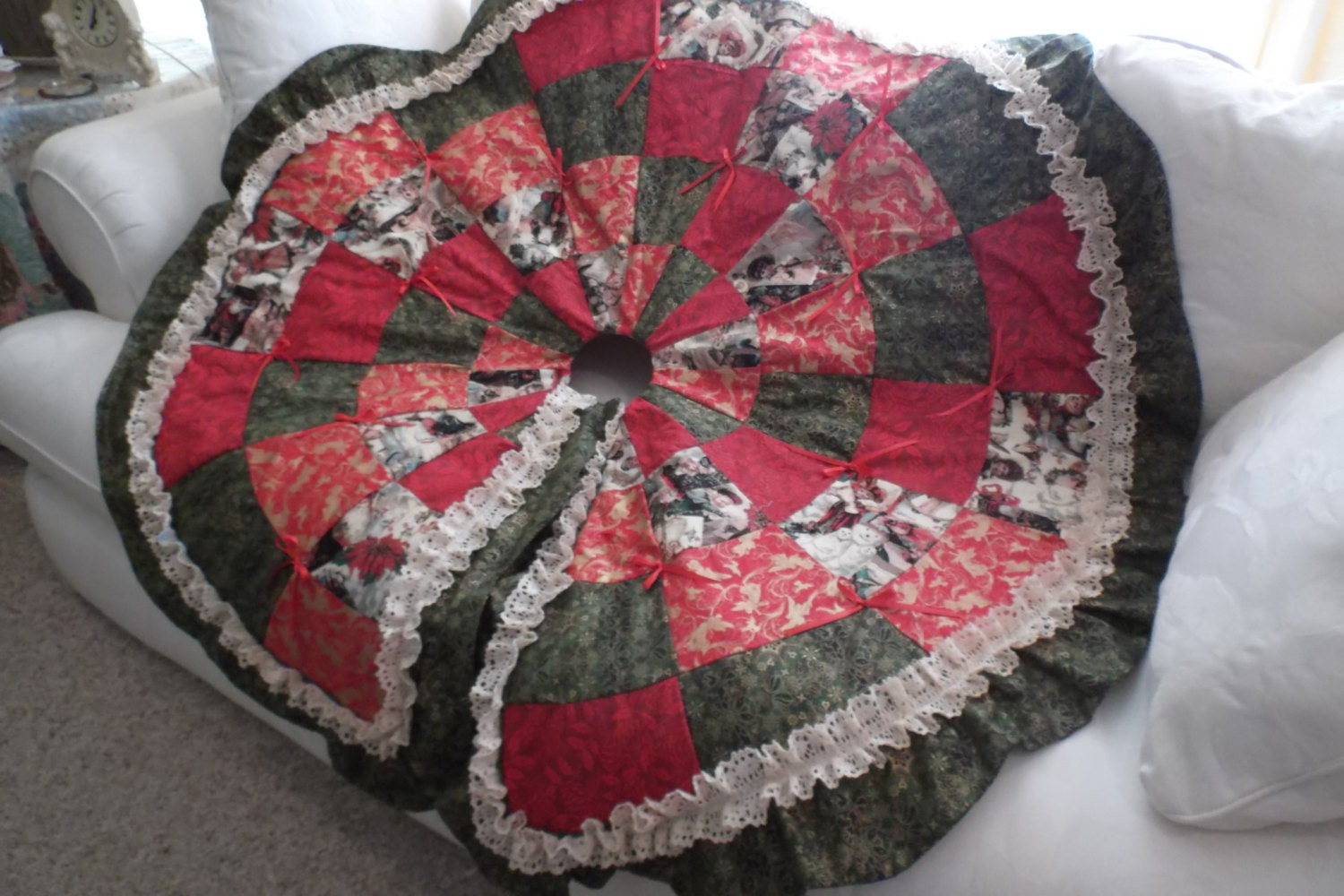 Beautiful handmade quilted christmas tree skirt by glendagail