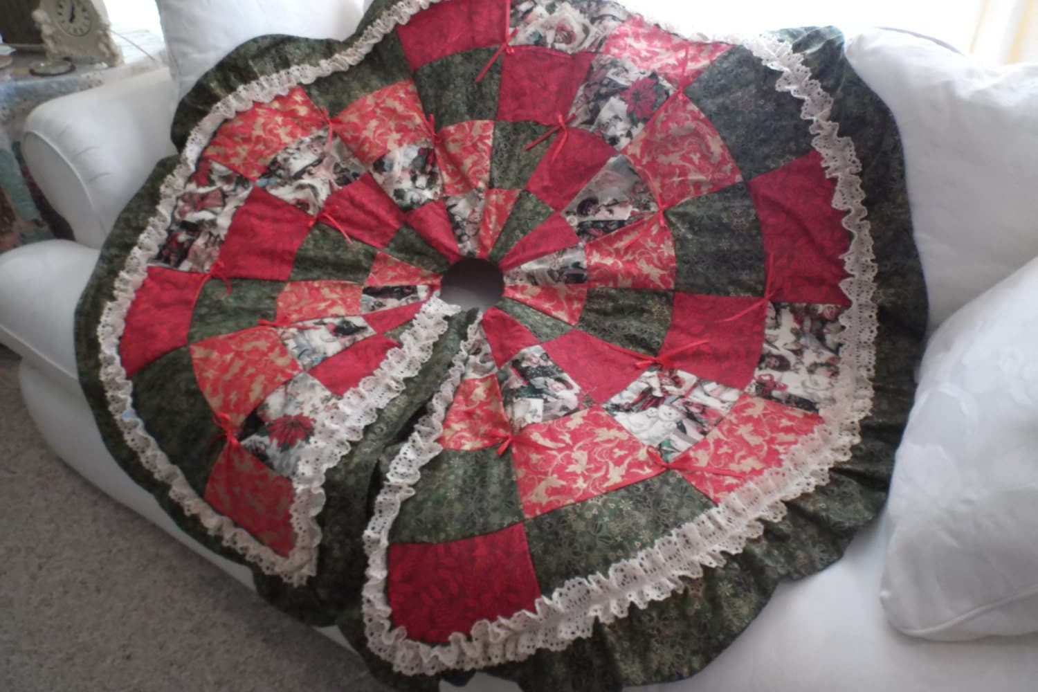 Quilted Christmas Tree Skirt Pinterest : Beautiful Handmade Quilted Christmas Tree Skirt by glendagail