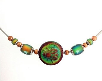 Summer Sale Bee Necklace Like Wow Thermal Color Changing Beads. 16 1/2 inches
