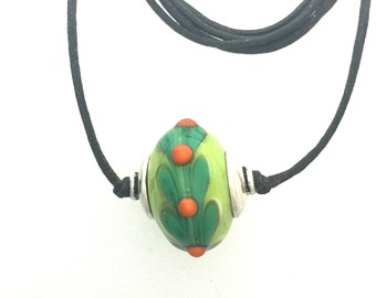 Green Lamp Work Glass Bead with Leaves