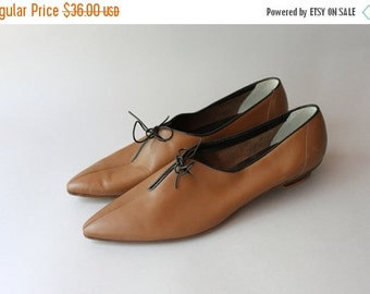 STOREWIDE SALE 1960s Shoes / Vintage 60s Italian Leather Flats / Sixties Macy's Pointy Toe Oxfords