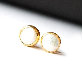 15% Discount Pearls Stud Earrings in gold vermeil