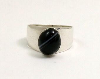 Vintage Black Banded Agate Mondernist Ring, Sterling Silver, US Size 5.25, UK Size K, Made in England, London 1975