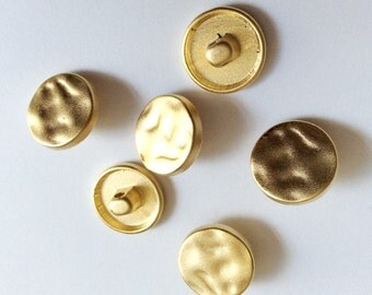 3pcs- Matte Gold Plated Hammared charm, button- 15x15x4mm-(003-034GP)