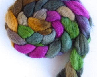 Finn Wool Roving - Hand Painted Spinning or Felting Fiber, Fuchsia Above the Door