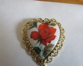 Cameo rose heart